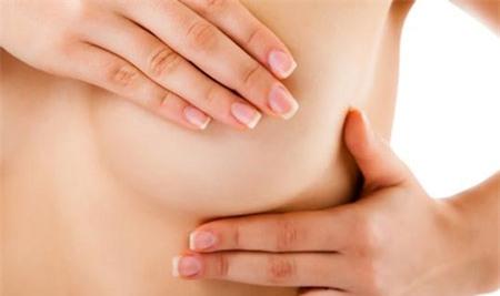 Nguy cơ ung thư vú cực cao khi có dấu hiệu sau trên da phụ nữ