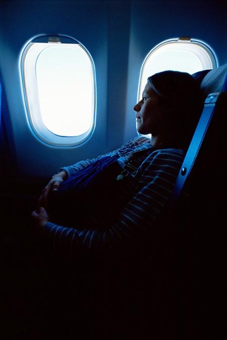 Bà bầu đi máy bay thế nào để an toàn