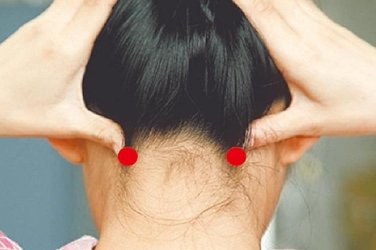 Y học cổ truyền bấm huyệt: Day bấm huyệt chữa đau đầu