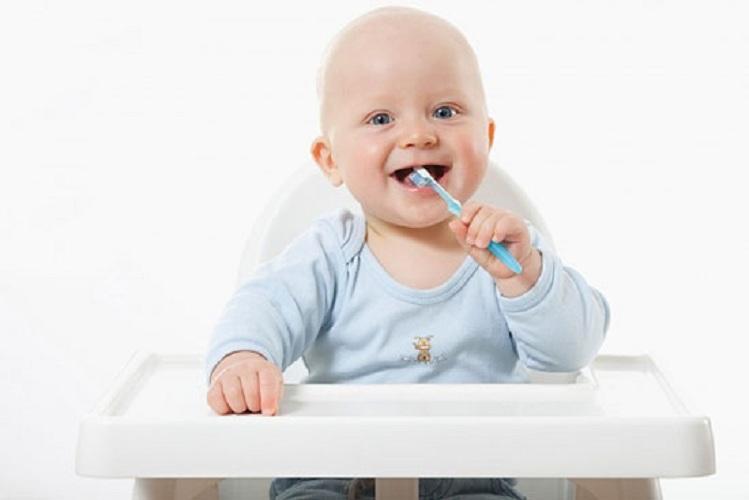 Kem đánh răng cho trẻ hại thế nào, cách lựa chọn kem đánh răng an toàn nhất cho trẻ