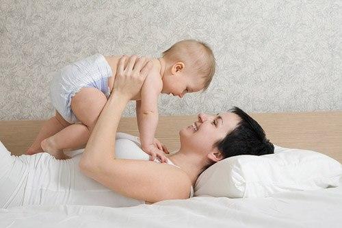 Cho bé dùng bỉm thế nào loại bỉm gì mới là tốt và không hại cho bé
