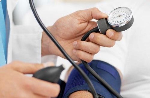 Làm gì khi mắc cao huyết áp