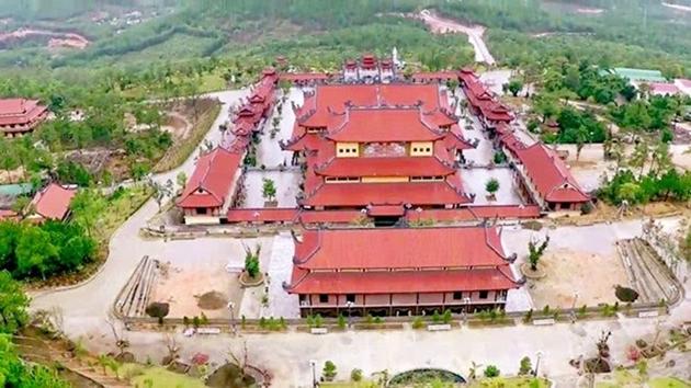 Ngôi chùa có chính điện lớn nhất Việt Nam và sự tích giếng thần chữa bệnh không bao giờ hết nước