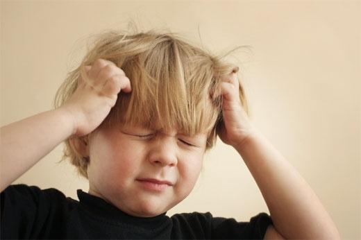 Trẻ 2 tuổi có thể căng thẳng thần kinh