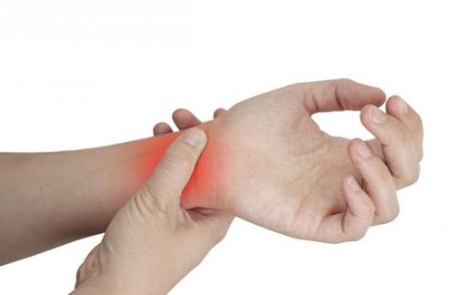 Triệu chứng và ảnh hưởng của bệnh viêm khớp dạng thấp như thế nào?